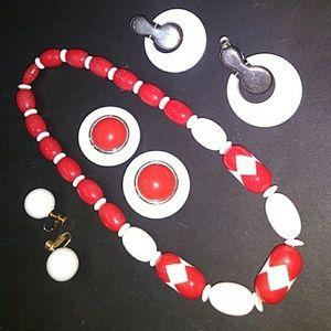 VINTAGE R/W Lucite Necklace +((3))Pr. Clip-On's